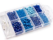 Skleněný rokajl v plastovém boxu