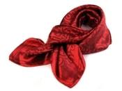 Saténový šátek 93x93 cm s ornamenty