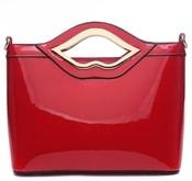 Červená lakovaná kabelka do ruky A34206